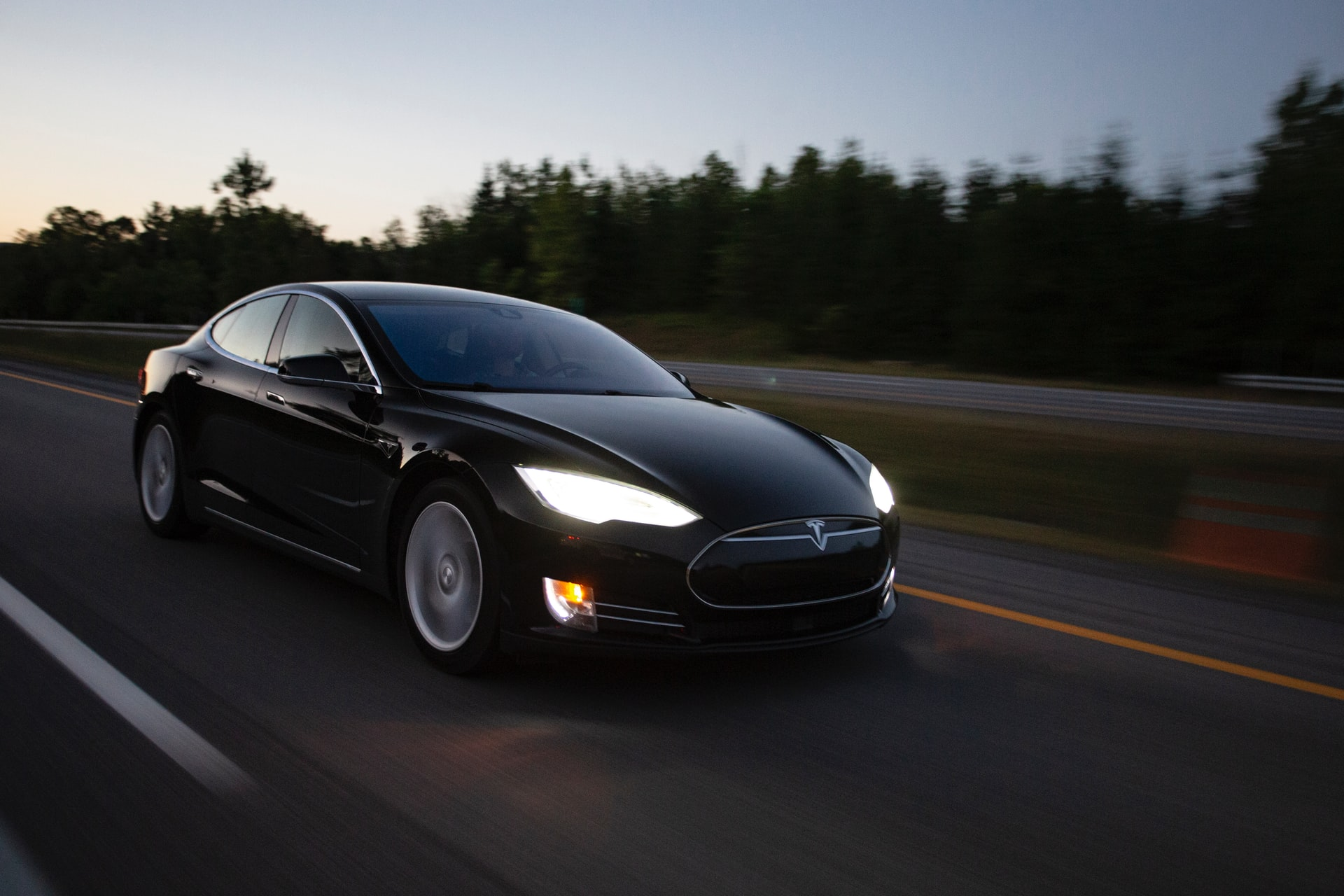 Tesla Model S Seen Testing The Road While Pushing Launch Date